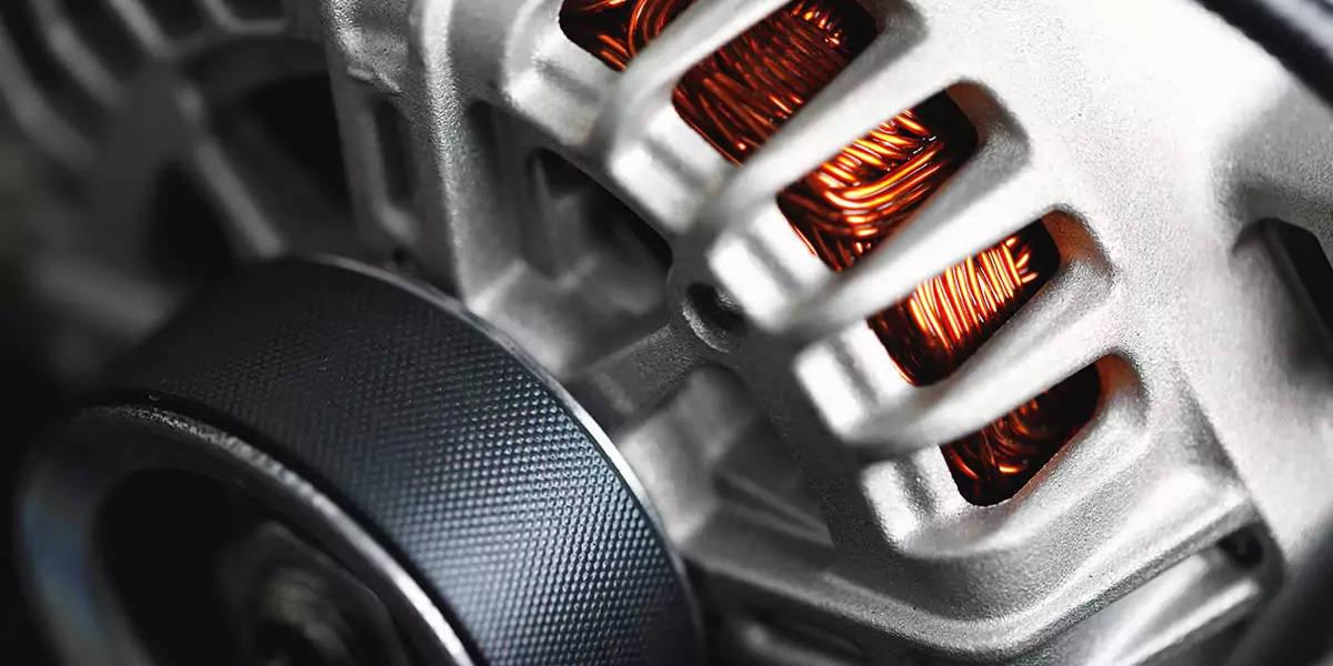 Regolatore di tensione alternatore auto: che cos'è e funzionamento
